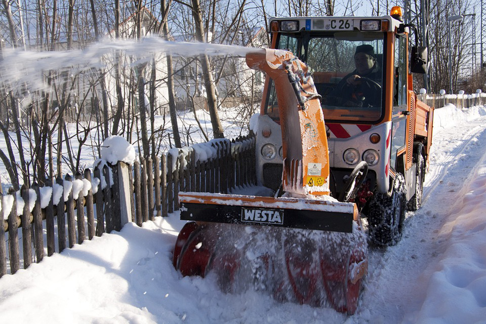 Snowblower Tractor