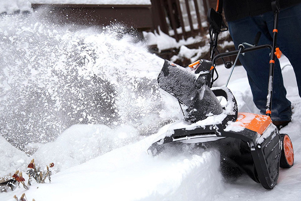 Compare Electric Snow Blowers : Five cheap electric snowblowers for snowblower